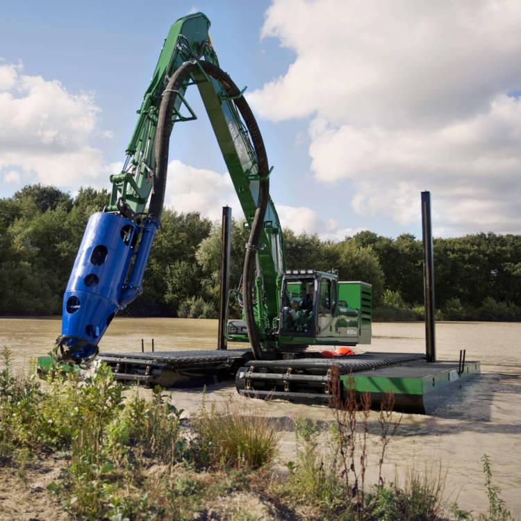 amphibious excavator dredging pump
