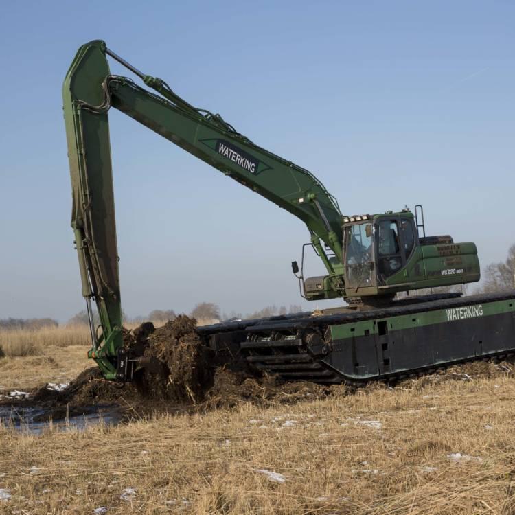 swamp excavator - floating crane