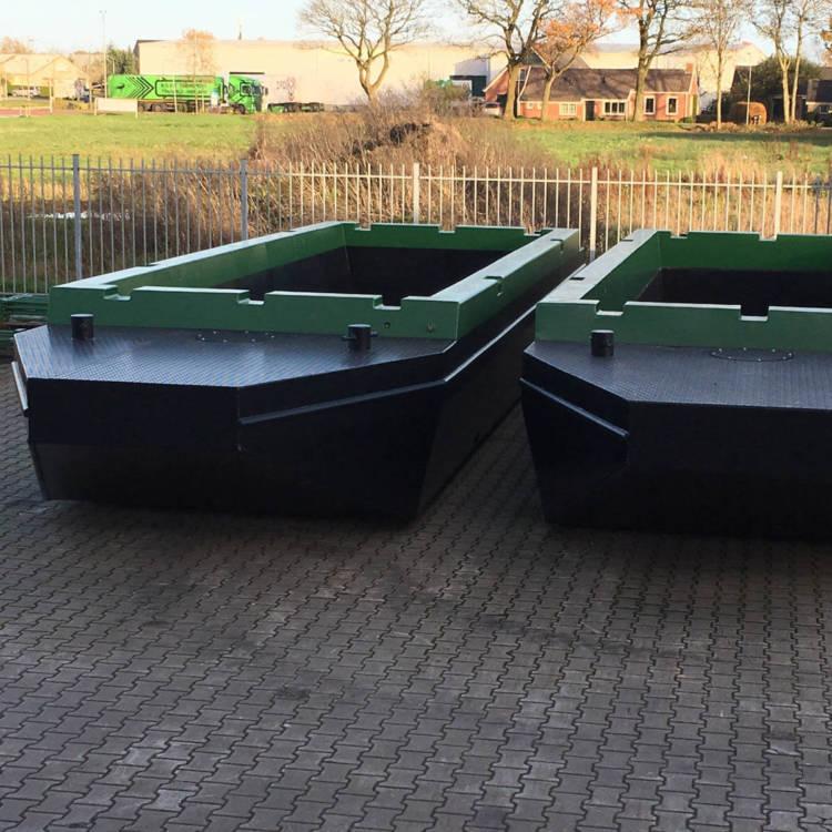 hopper barge for transportion of sand, gravel, pruning waste over water